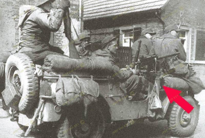 Support colonne lateral jeep us support mounting armement for Que portent les juifs sur le front